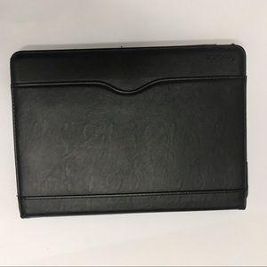 🦋FREE w purchase IPad Case - 8 & 7 Gen